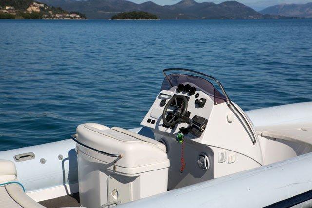 Discover Lefkada surroundings on this Custom Ribeye boat