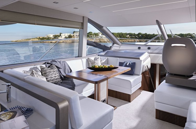 This 56.0' Sunseeker International cand take up to 6 passengers around Zadar region