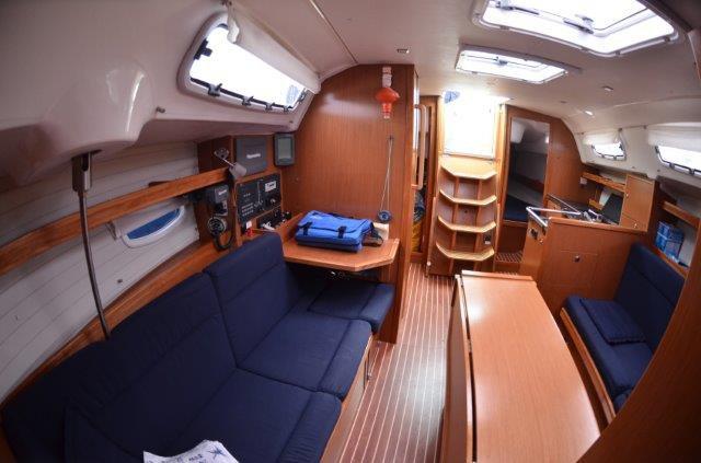 35.0 feet Bavaria Yachtbau in great shape