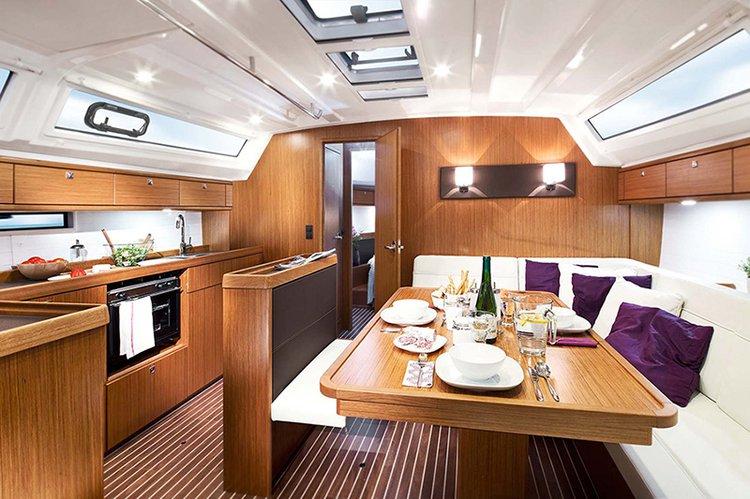 This 46.0' Bavaria Yachtbau cand take up to 8 passengers around Campania