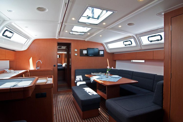 This 49.0' Bavaria Yachtbau cand take up to 12 passengers around Split region