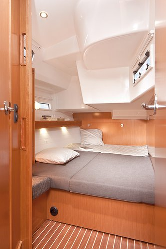 Discover Liguria surroundings on this Bavaria Cruiser 50 Bavaria Yachtbau boat