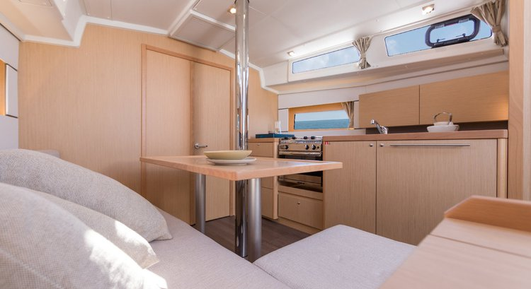 Discover Split region surroundings on this Oceanis 38.1 Bénéteau boat
