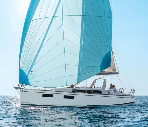 Discover Zadar region surroundings on this Oceanis 38.1 Bénéteau boat