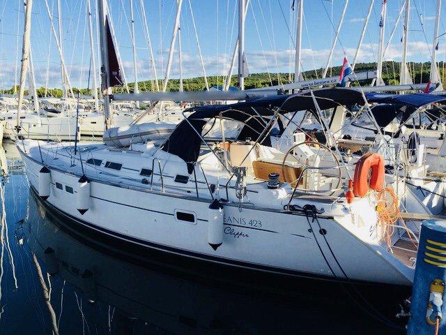 Charter this amazing Bénéteau in Saronic Gulf