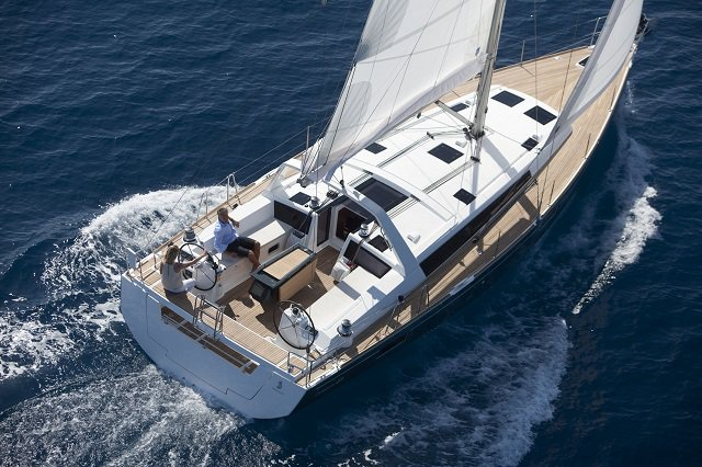 Take this Bénéteau Oceanis 48 for a spin !