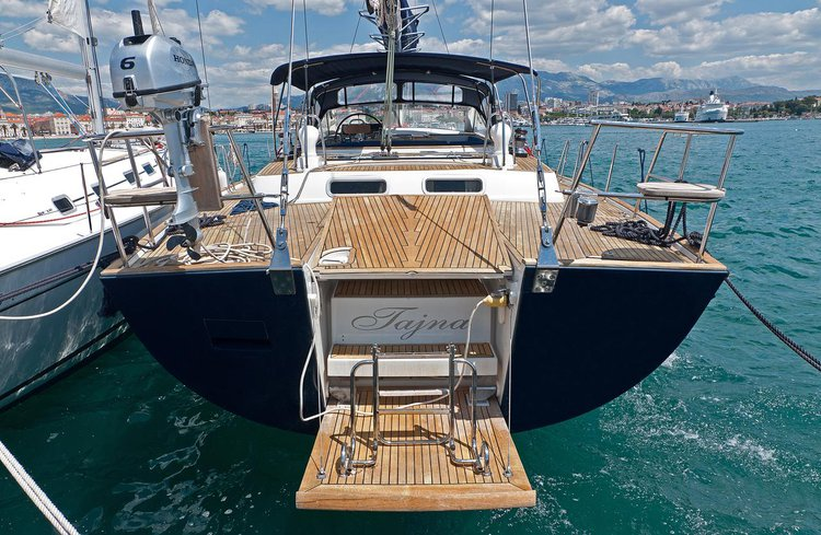 Discover Split region surroundings on this Beneteau 57 Bénéteau boat