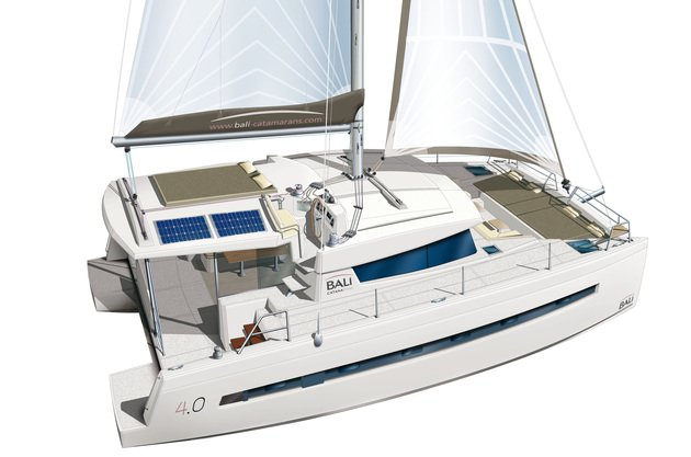 This 39.0' Catana cand take up to 10 passengers around Split region