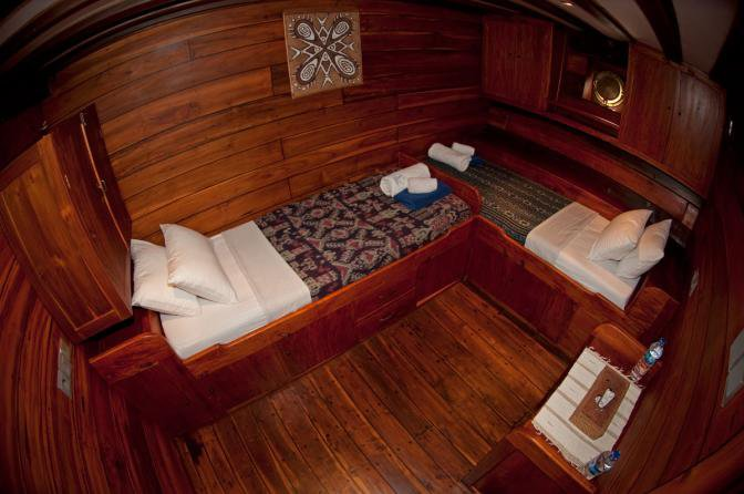 Discover West Papua surroundings on this Custom Custom boat