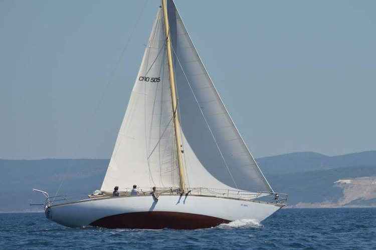 This 46.0' Daily sailing cand take up to 10 passengers around Split