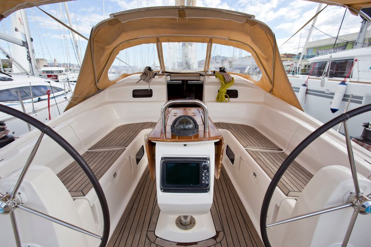Discover Split region surroundings on this Elan 434 Impression Elan Marine boat