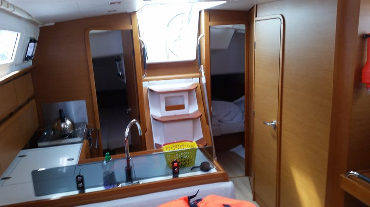 Jeanneau boat for rent in Zadar region