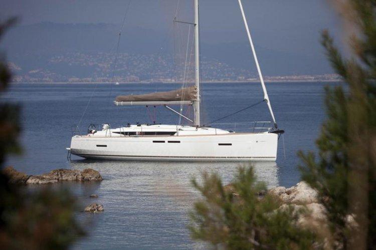 Boat for rent Jeanneau 41.0 feet in Lefkas, Marina Lefkas,