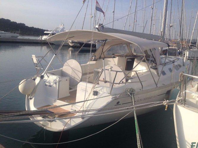 Discover Šibenik region surroundings on this Sun Odyssey 45.2 Jeanneau boat