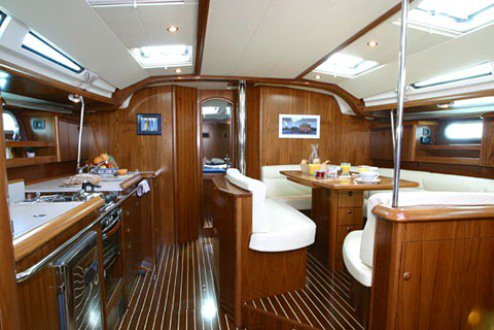 This 49.0' Jeanneau cand take up to 8 passengers around Saronic Gulf