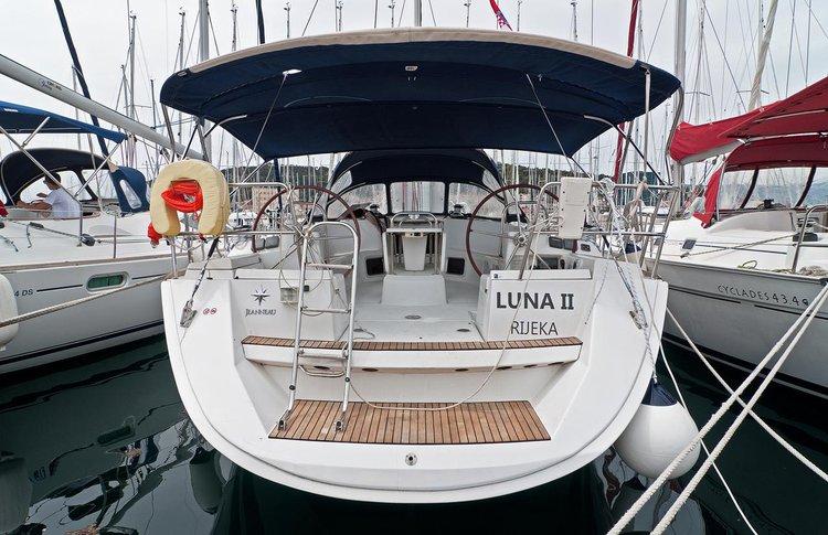 49.0 feet Jeanneau in great shape