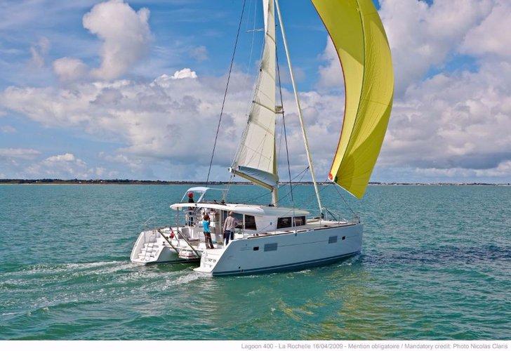 Discover Split region surroundings on this Lagoon 400 Lagoon-Bénéteau boat