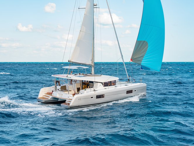 Catamaran boat rental in Athens - Marina Alimos (Kalamaki), Greece