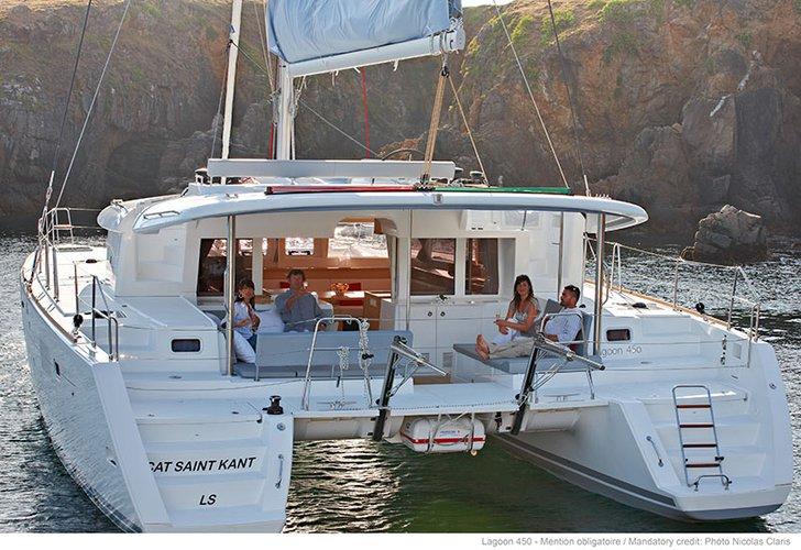 This 45.0' Lagoon-Bénéteau cand take up to 10 passengers around Split region
