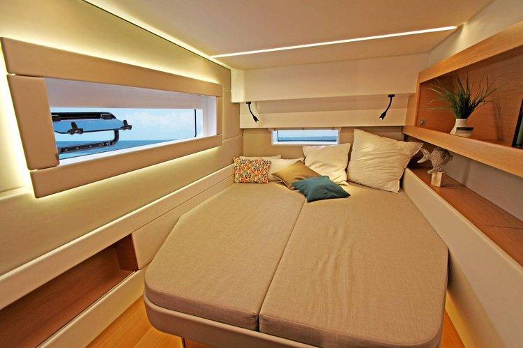 This 45.0' Nautitech Rochefort cand take up to 10 passengers around Saronic Gulf