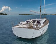 Jump aboard this beautiful Dufour Yachts Dufour 360 GL
