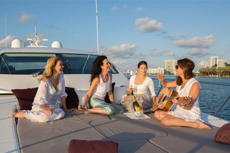 Discover Miami surroundings on this Maxi Open 72' Mangusta boat