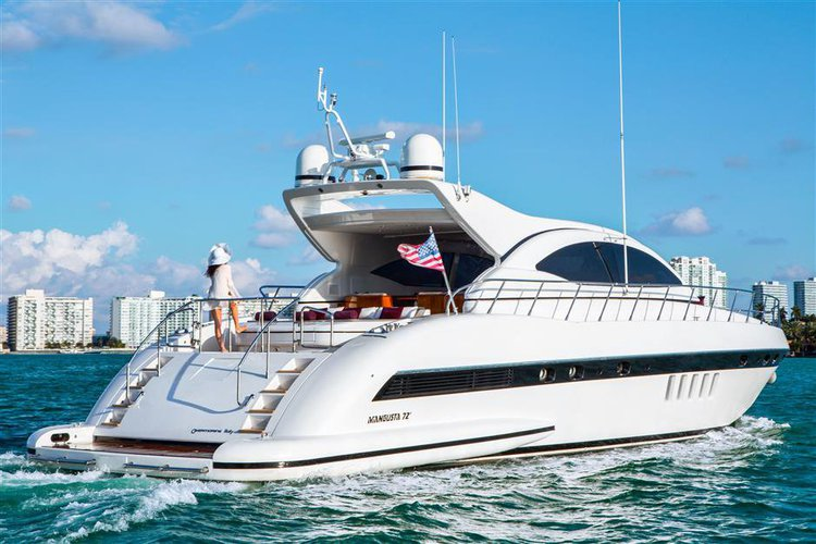 72' Mangusta's 72.0 feet in Miami