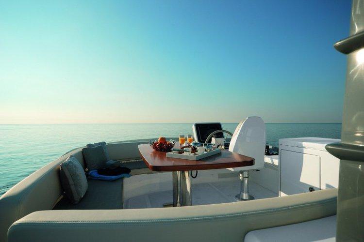 Boat for rent Azimut 53.0 feet in Marina de Cascais, Portugal