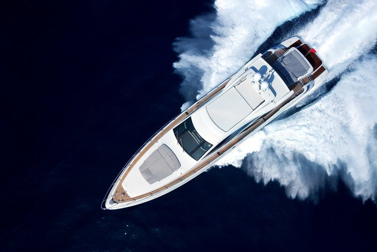 Boating is fun with a Azimut in Capri