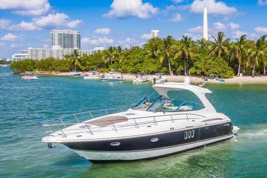 Perfect Sandbar Sunday Yacht! 43' Cruiser