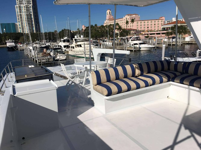 Boat rental in St. Petersburg, FL