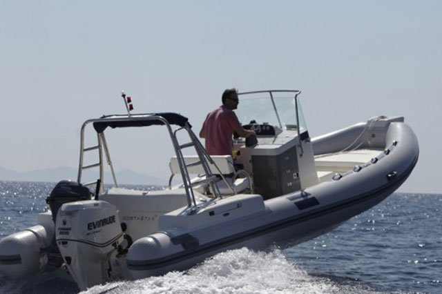 NORTHSTAR 7.30 – 225 HP EVINRUDE BASED AT ANTIPAROS ISLAND