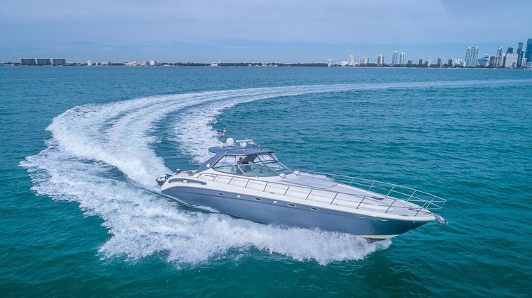 Enjoy 54′ SEARAY SUNDANCER in South Beach