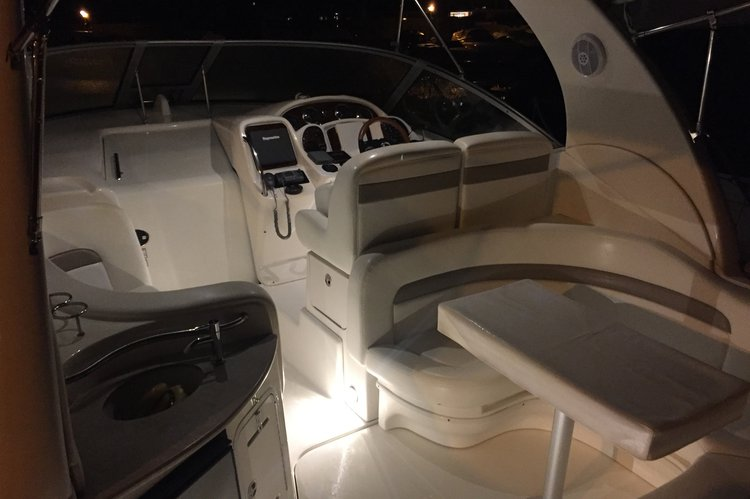 Cruiser boat rental in cannes marina,