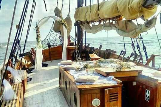 Discover Novigrad surroundings on this Trabakul Ankaran boat