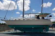 thumbnail-8 Island Packet Yachts 38.0 feet, boat for rent in Miami, FL