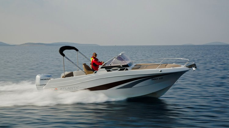 Cruiser boat for rent in Trogir