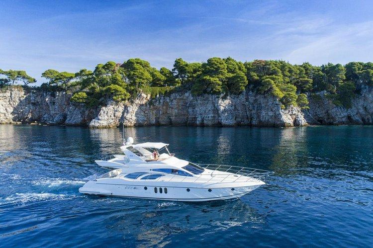 Boat for rent Azimut 65.61 feet in Orašac, Croatia
