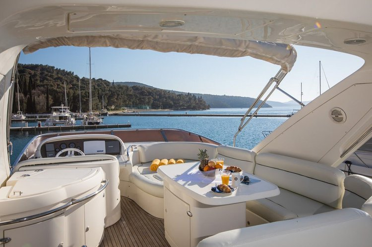 Motor yacht boat rental in Orašac,