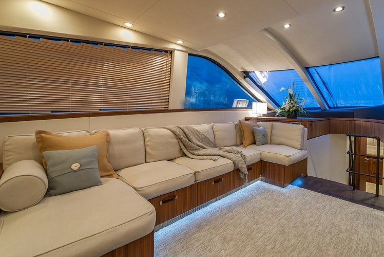 Discover Fort Lauderdale surroundings on this VS TAMSEN boat
