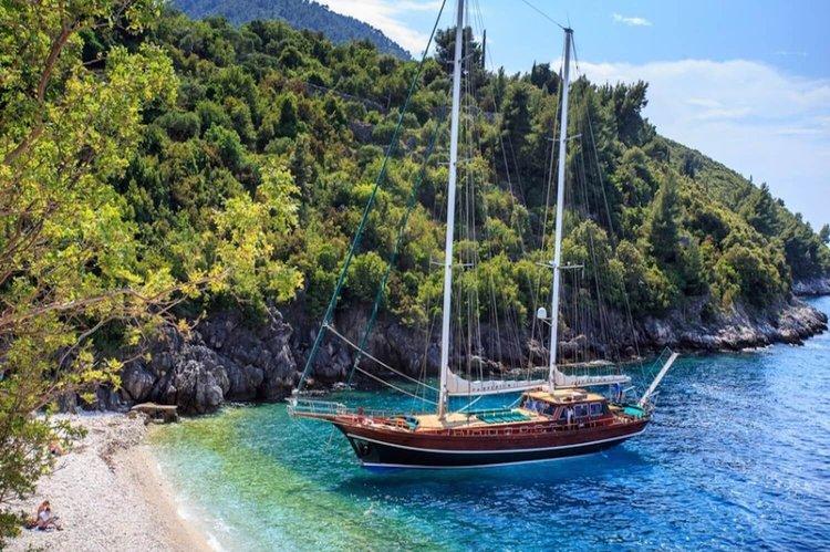 Charter a 98' classic sailing yacht in Split, Croatia