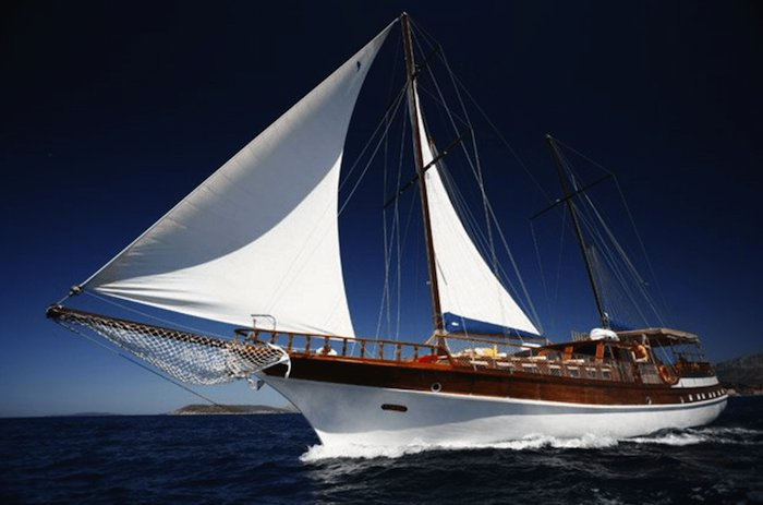 Discover Split surroundings on this Custom Custom boat