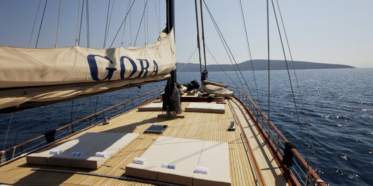 This 141.07' Custom cand take up to 12 passengers around Bodrum