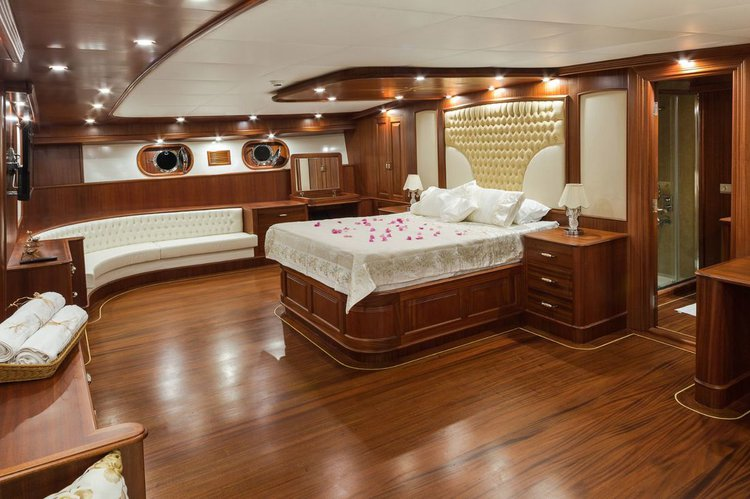 Classic boat for rent in Bodrum