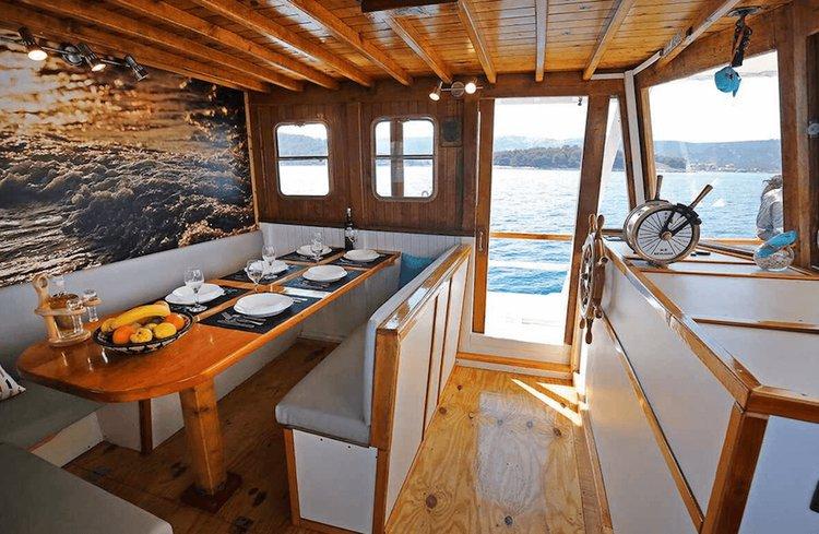 Classic boat for rent in Zadar