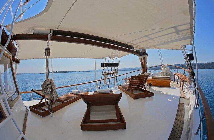 Discover Zadar surroundings on this Custom Custom boat