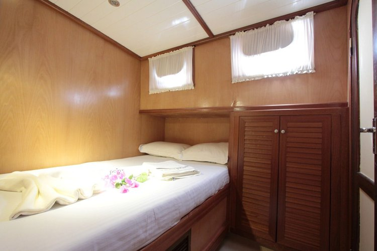 This 62.34' Custom cand take up to 6 passengers around Marmaris