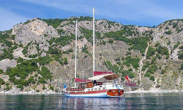 Classic boat rental in Marmaris,