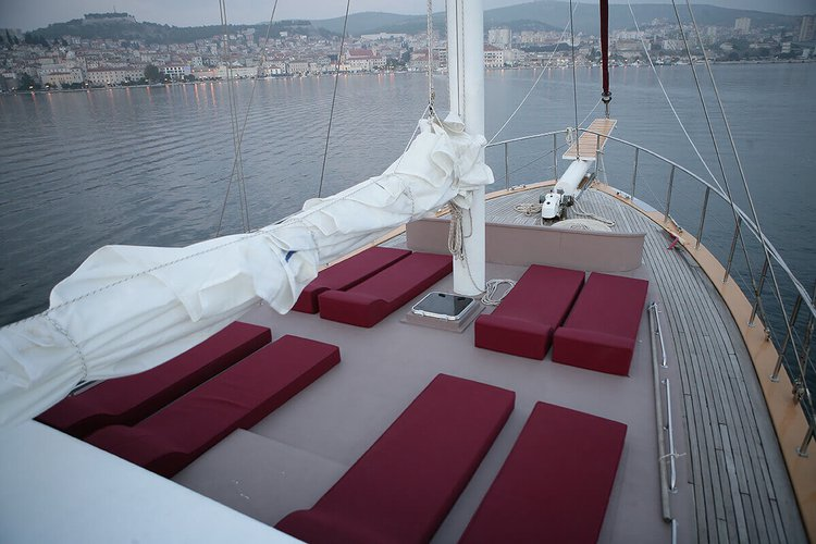Classic boat for rent in Dubrovnik