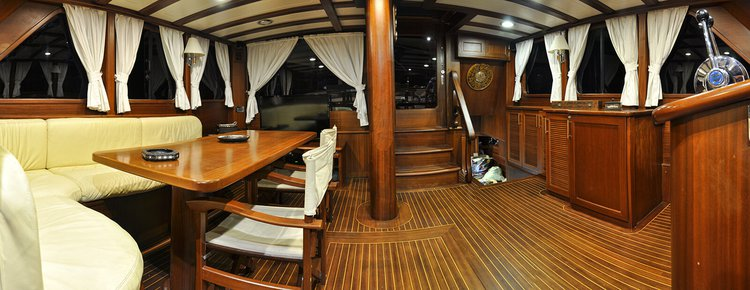 Classic boat for rent in Marmaris